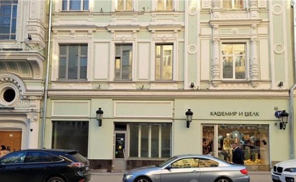 Торговая площадь на улице Петровка